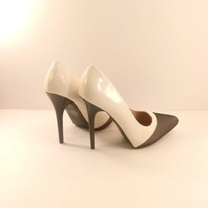 Qupid Shoes - Rand-11 Black and White